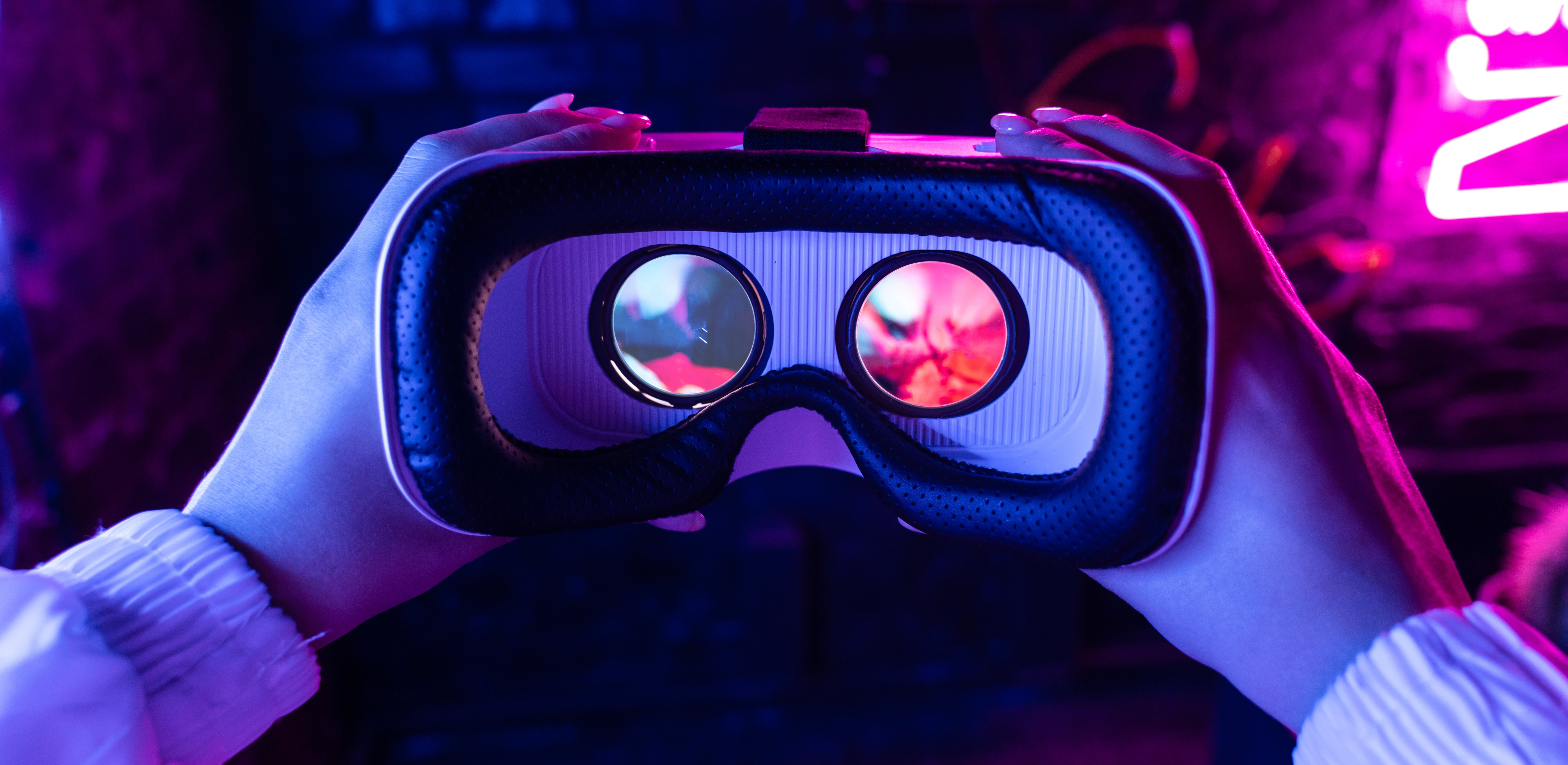 Looking inside a VR headset